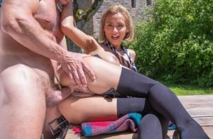 Outdoor MILF Porn