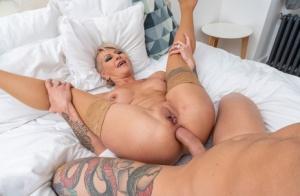Mature Anal Porn